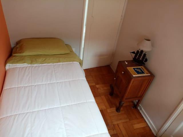 Náutico Hostel, habitación individual.