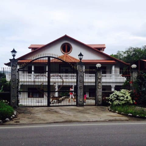 Luxurious Yet Cheap Guesthouse in Baguio/Benguet - Sablan - Talo
