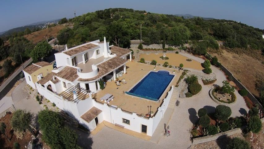 Amazing villa in Santa Barbara de Nexe (Algarve) - São Brás de Alportel - Holiday home