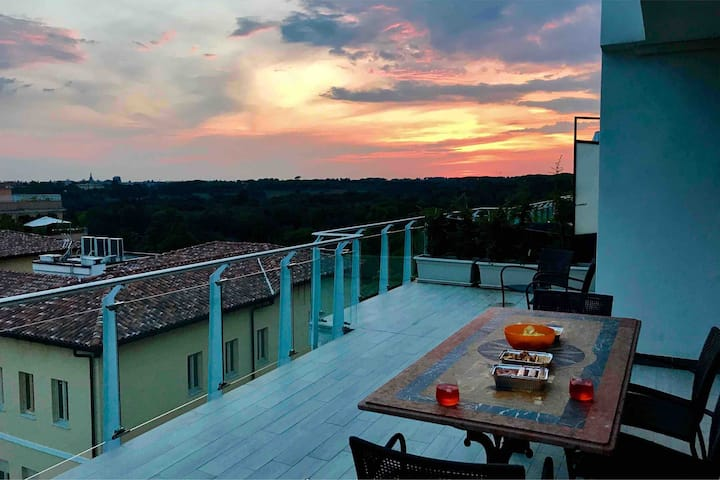 PENTHOUSE WITH PANORAMIC TERRACE NEAR TRASTEVERE