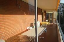 Balkon gesamte Länge