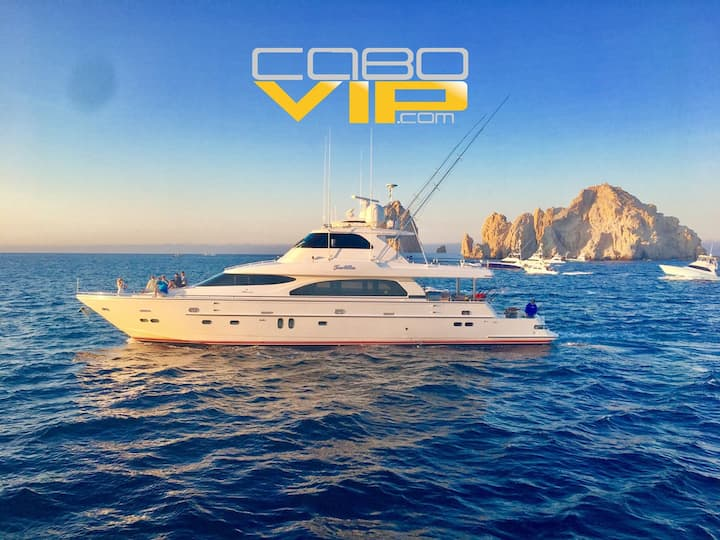 Luxury yacht for rent ALL DAY at Los Cabos