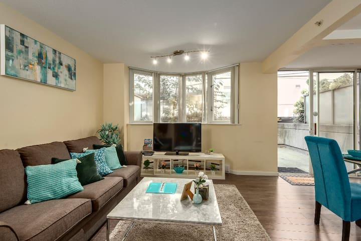 Clean Sanitized 2 bed 2.5bath Townhouse+Parking