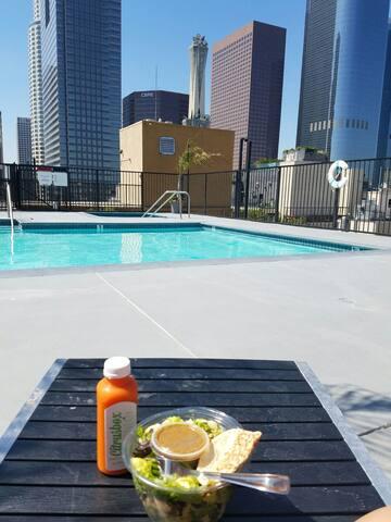 Trendy Loft w/ Rooftop Pool in DTLA - Los Ángeles - Loft