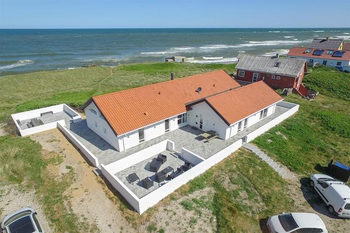 Luxury vacation house - swimmingpool & beach acces
