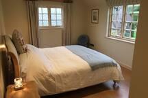 Super king Master Bedroom en suite