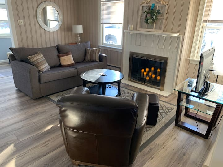 Cozy Cottage * Coventry Lake* 15 min to UConn *
