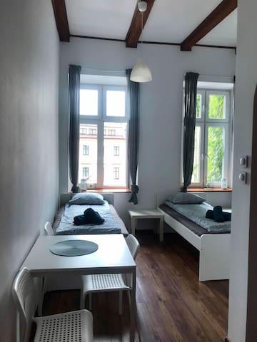 Izaak's Square Apartments 7
