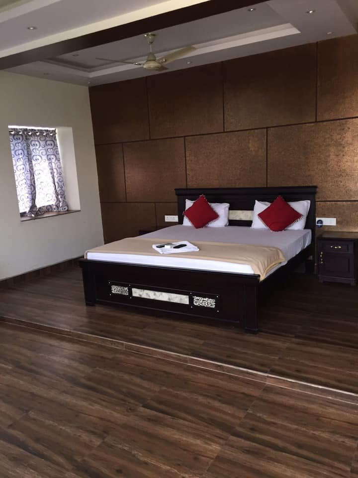 3 bed room duplex Fullyfurnished service apartment