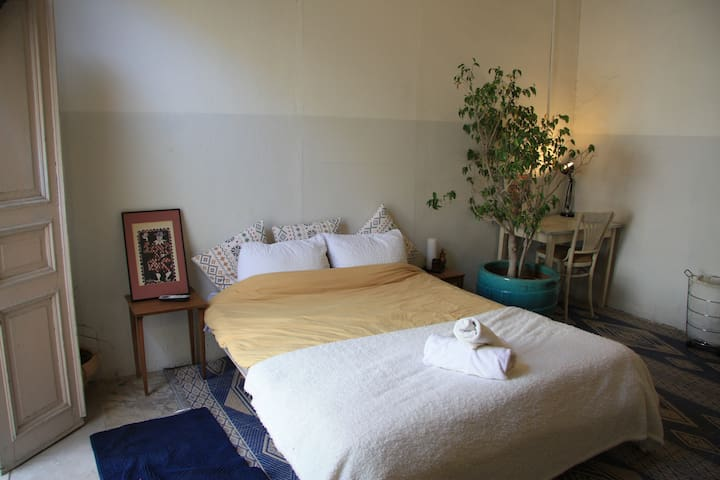 Authentic room with balcony close to Jaffa beach