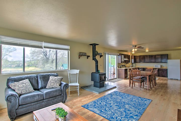 Bear Lake Condo - 6 Mi. to North Beach Park!