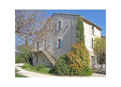 L'escalier au cyprès - Malemort-du-Comtat - Ev