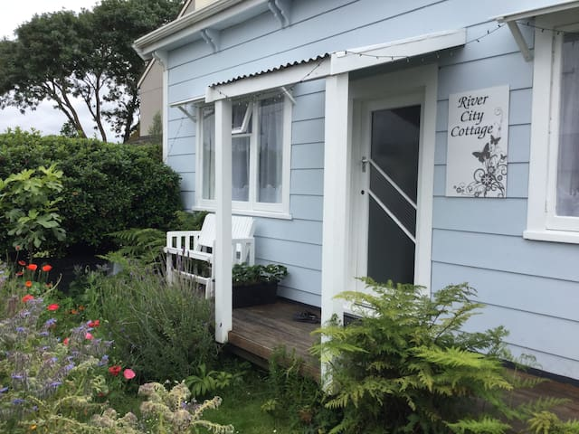 River City Cottage B & B (Double/Twin/Triple) - Whanganui - Bed & Breakfast