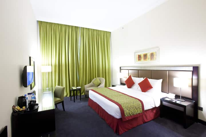 Millennium Central Doha - Classic King Bed Room