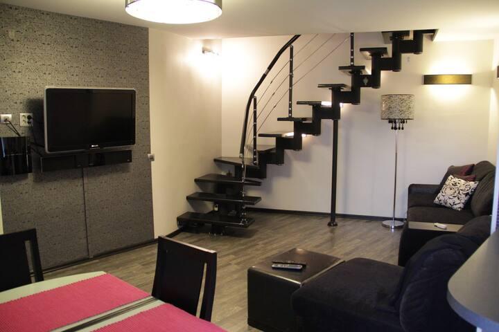 Стильная 2-х уровневая квартира