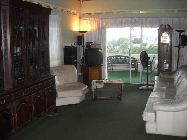 Sando Place Room2 - San Fernando - Hus