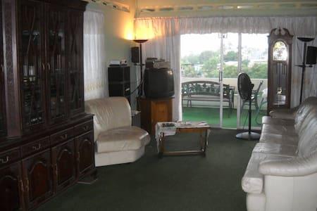 Sando Place Room2 - San Fernando