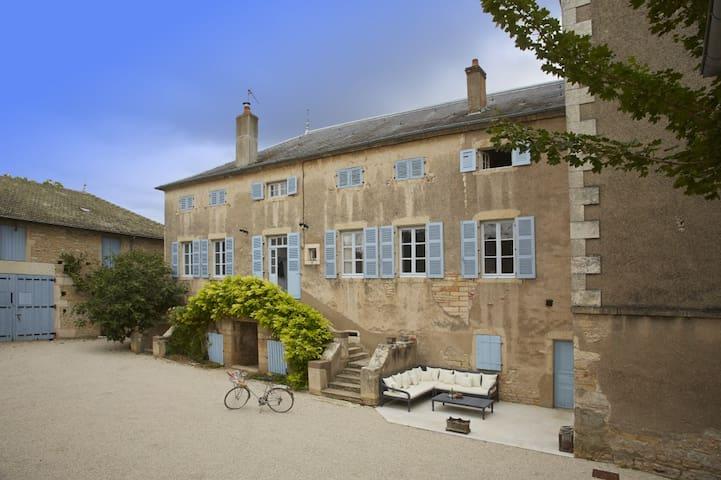 An authentic mansion near Beane