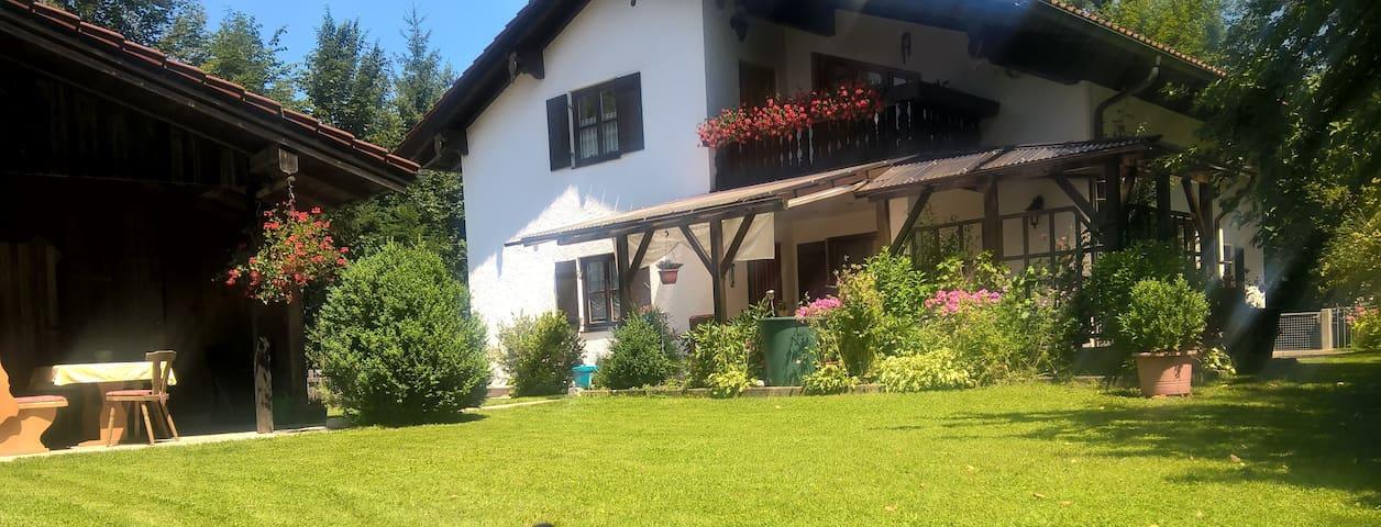 Idyllische Wohnung in den Alpen!!! - Oberaudorf - Byt