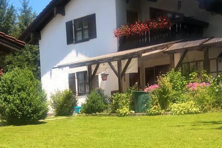 Idyllische Wohnung in den Alpen!!! - Oberaudorf - Appartement