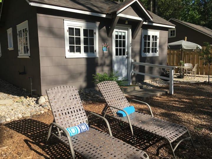 Cottage 3 at Paradise Pines Resort in Elk Rapids