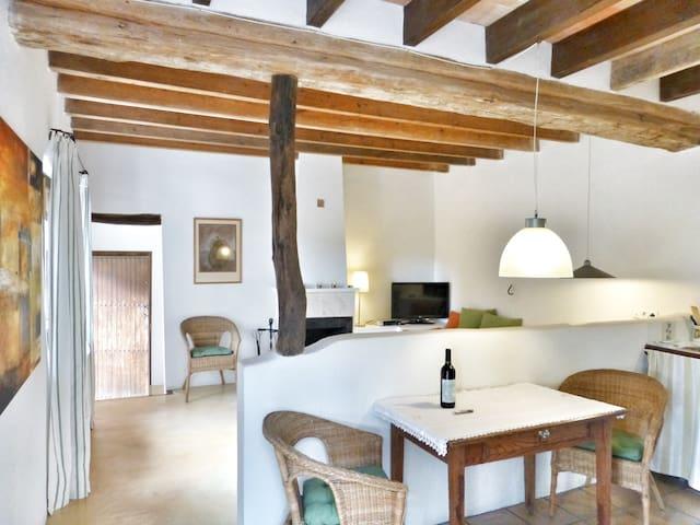 "Apartment ""Moscatell""  in historischer Finca"