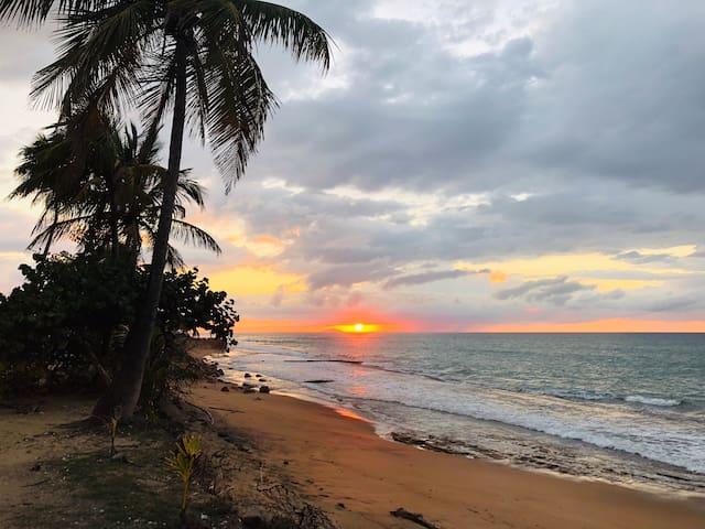 Aguada Beach Studio - Surf, Sand & Play