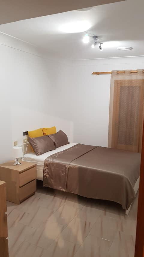 Room for 2! Habitacion para 2!