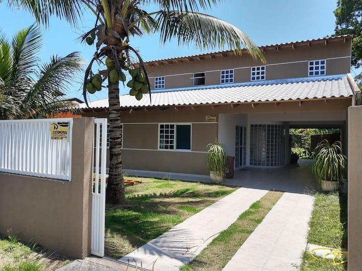 Casa em Pontal do Sul, próximo a Prainha