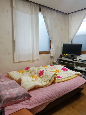 Peaceful Cozy Room in Downtown of Samcheok City - Daehak-ro, Samcheog