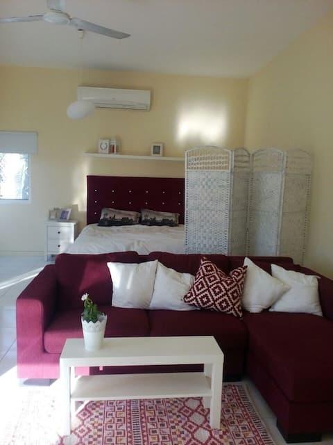 Villa in Jumeirah 3, ladies only masterbedroom
