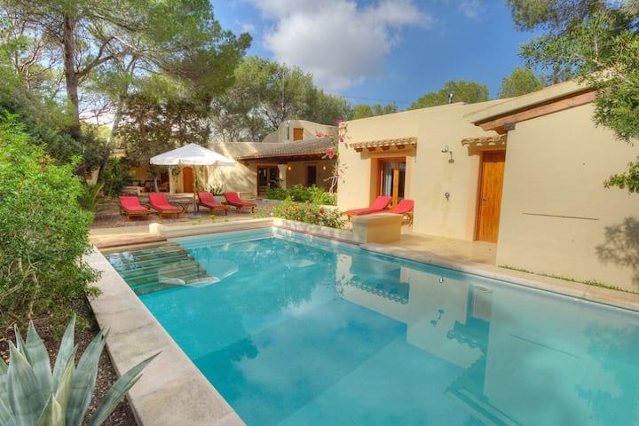 Villa calme piscine privée près de Playa Migjorn