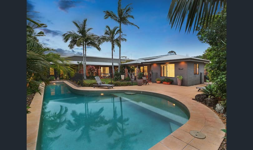 Large House with Pool near Tallow Beach/Byron Bay