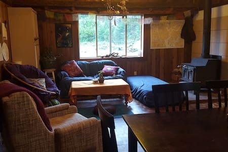Guest Bedroom in Rustic Cedar Home - Quathiaski Cove