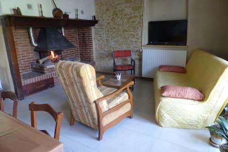 Ancienne ferme, chambre à l'étage