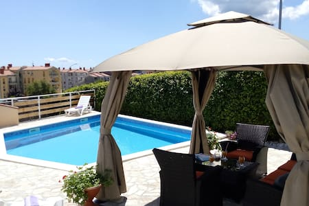Nice big apartment with pool Labin - Labin