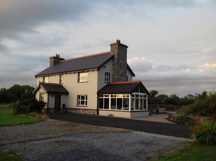 lovely comfortable double room Quin Co Clare (2)