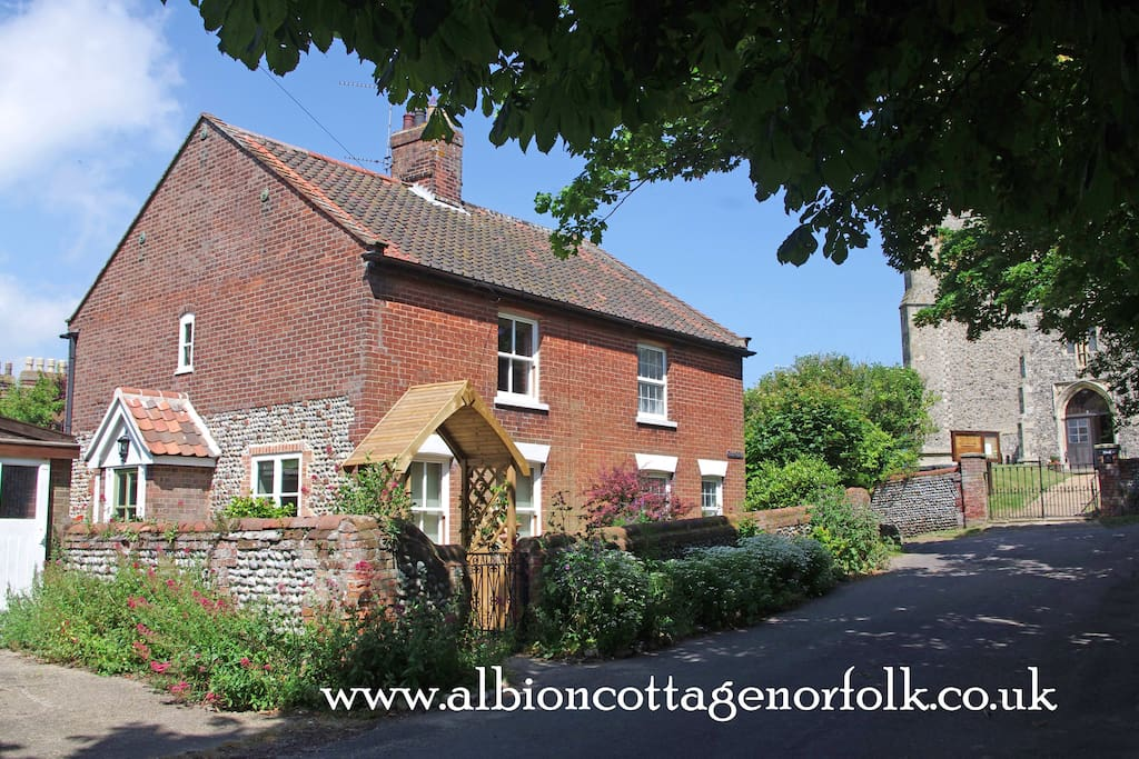 Albion Cottage from Church Street with a glimpse of the church