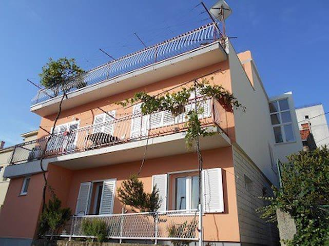 Sea View Apartment Ema