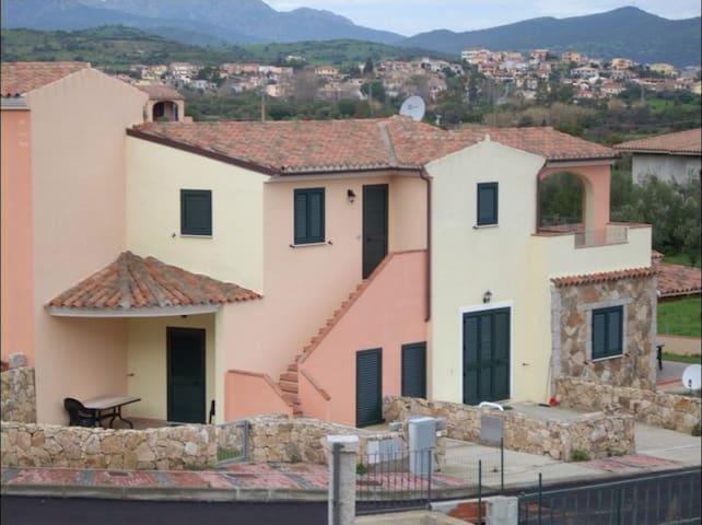 APPARTAMENTO VISTA MARE ZONA RESIDENZIALE - Budoni - Apartemen