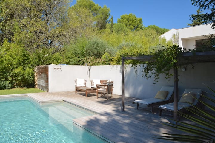 Architectural Villa with Pool - Montpellier - House