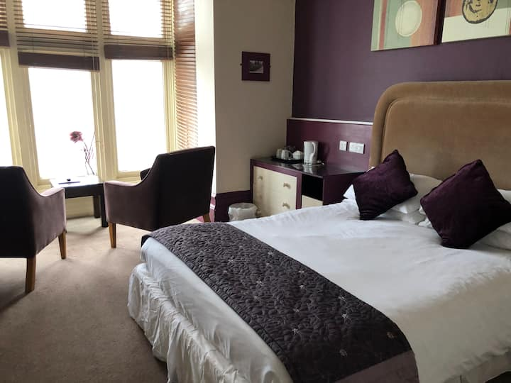 Deluxe Ensuite Double Room Sea View - Staincliffe