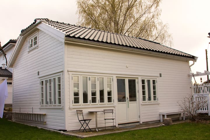 Garden Cottage close to the city - Tønsberg - Rumah