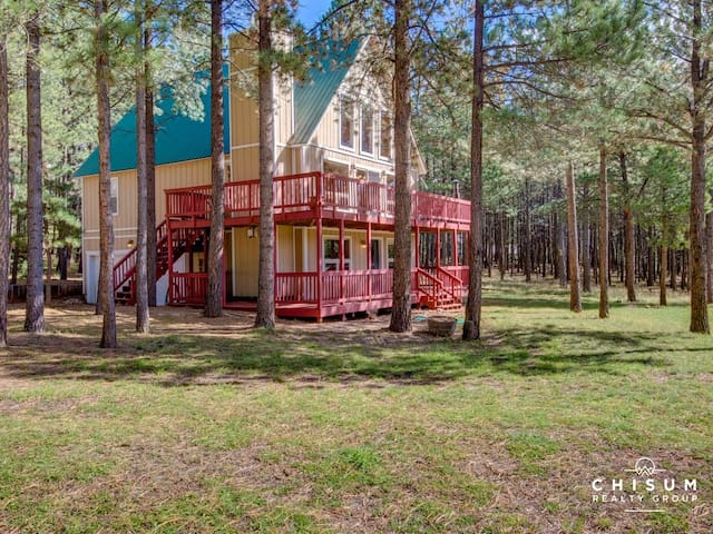 Angel Fire Home: 4 bed, 2.5 bath, Golf Course Side
