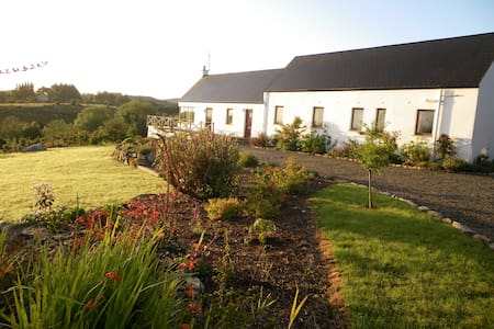 Mayo, Cosy Countryside Retreat - Bofeenaun