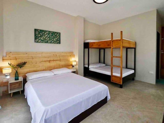R&R Premium Triple Room (Free Kitchen Usage)