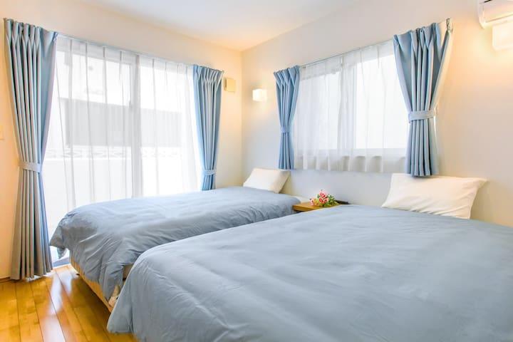 ★1F寝室★ 世界30ヵ国以上で愛用されるグローバルブランドのsealy製ベッドをご用意しております♪