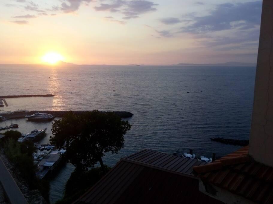 Vista al tramonto dal terrazzo