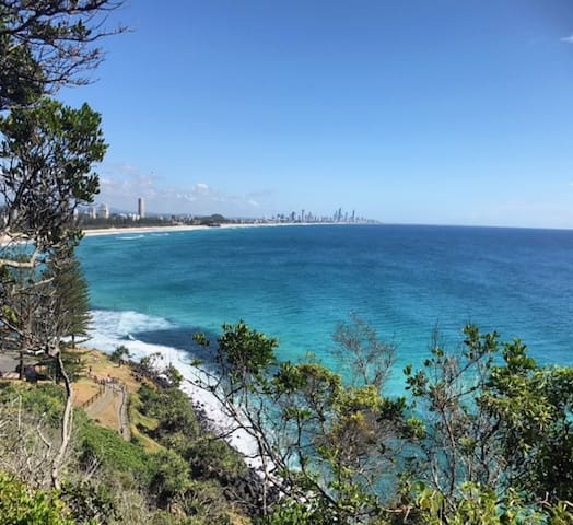 Somewhere you can completely escape... - Burleigh Heads - Casa