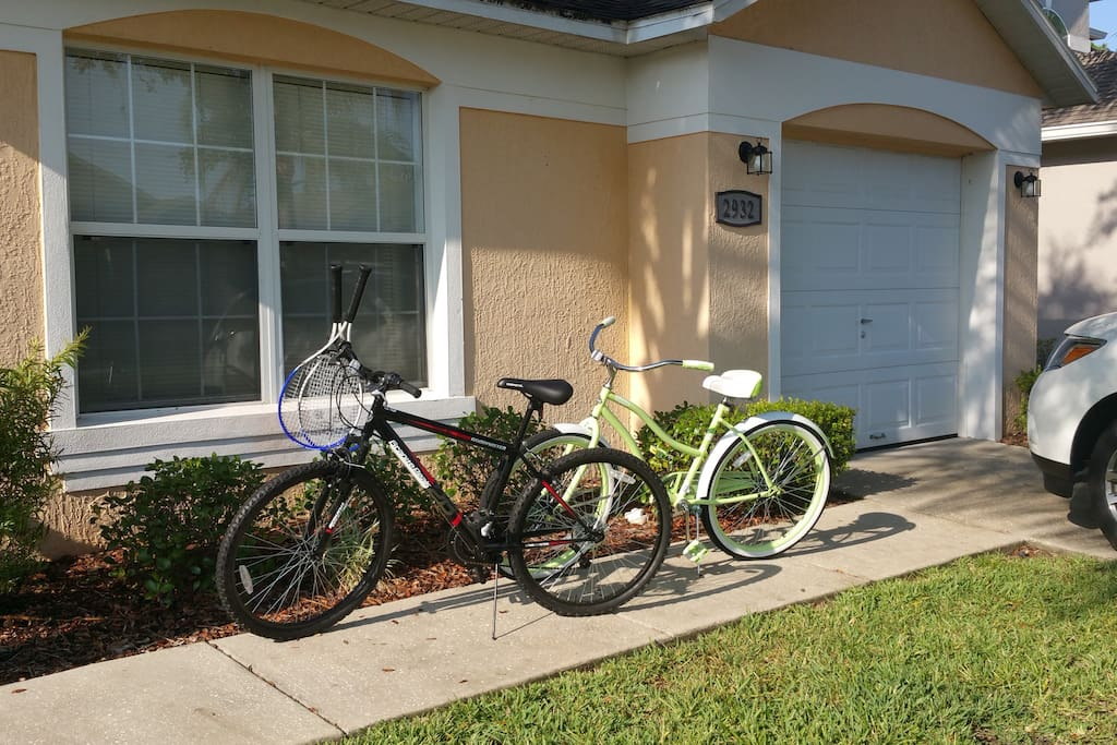 Bikes and tennis rackets for your use